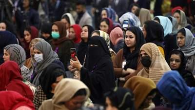 Талибы запретили работать женщинам в органах городской власти Кабула: но есть исключения