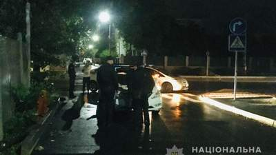 В Івано-Франківську чоловік влаштував стрілянину на вулиці: є постраждалий
