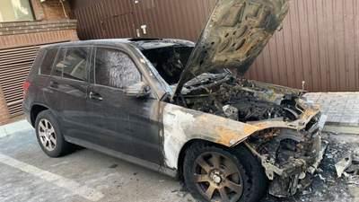 Полиция получила заключения экспертиз по поджогам автомобилей Лероса и Богдана