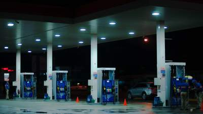 """Подорожание бензина, серый рынок и отток валюты: НАУ о последствиях """"биоэтанольного"""" закона"""