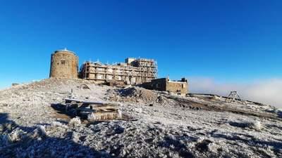 Спасатели показали видео с заснеженных Карпат: рекомендуют не идти в горы