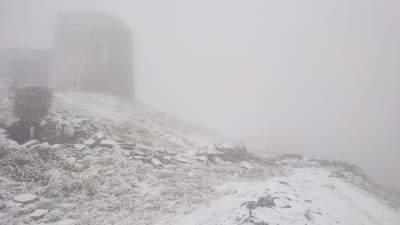 """""""Зима не за горами, а уже здесь"""": в Карпатах выпал снег и уже -4"""