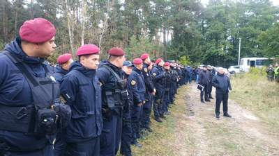 Прочісують понад 400 гектарів: на Київщині тривають пошуки причетних до замаху на Шефіра