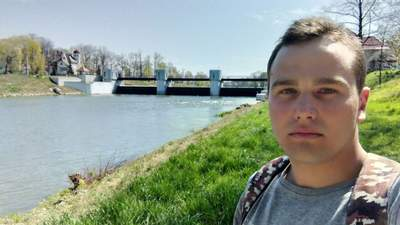 """На лице были """"тонны грима"""": отец погибшего в Польше украинца рассказал, как хоронили сына"""