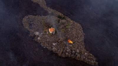 """Віллу на Канарах тепер називають """"диво-будинком"""", її обійшла лава – неймовірне фото"""