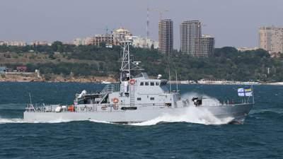 """Росіяни провокували Україну в Чорному морі, але їхній новіший корабель """"здувся"""""""