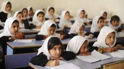 Нас ховають заживо у будинках, – школярки з Афганістану скаржаться на владу талібів