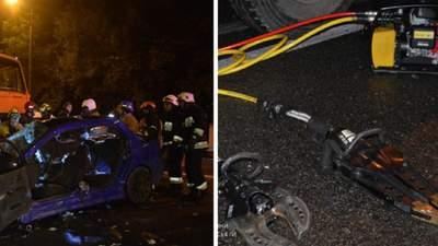У Дніпрі авто врізалося у сміттєвоз: постраждалі та загибла опинилися у пастці
