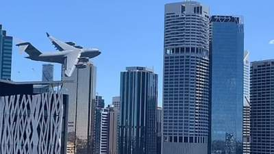 """""""Спогади до 11 вересня"""": в Австралії літак пронісся між хмарочосами – жахаючі фото та відео"""