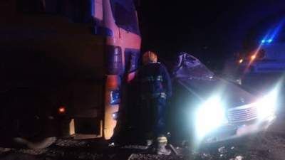 На Херсонщині у потрійній ДТП загинули двоє людей: моторошні фото