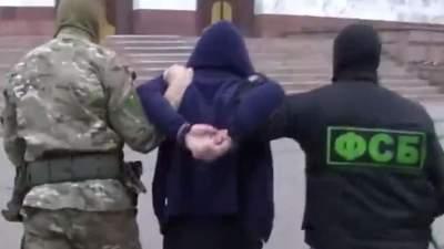 """Нашли бомбу, националистов и портрет Бандеры: в России заявили о предотвращении """"теракта"""""""