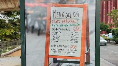 """В Іспанії розмістили банери з """"меню російських повій"""": спалахнув скандал"""