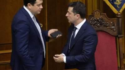 """Ничего критичного нет, – в """"Слуге народа"""" прокомментировали отношения с Разумковым"""