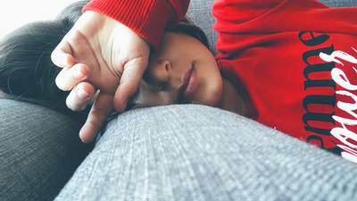 Безсоння, набряки, хронічна втома: як глисти виснажують наш організм