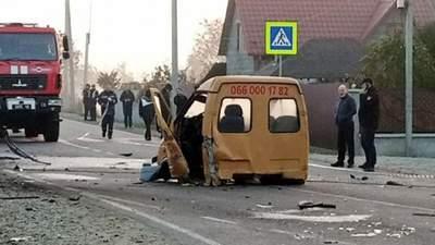 На Закарпатті авто врізалося в евакуатор і загорілося: четверо людей загинули