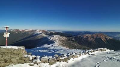 В Карпатах уже будто первые сугробы: на высокогорье выпал снег