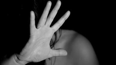 На очах у пасажирів: у потязі в США безхатько зґвалтував жінку