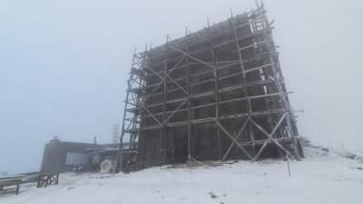 Облачно, холодно и со снегом: какая сейчас погода в Карпатах