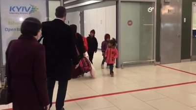 Из сирийского лагеря эвакуировали украинку с четырьмя детьми
