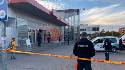 После просьбы надеть маску: в Литве покупатель выстрелил в охранника магазина
