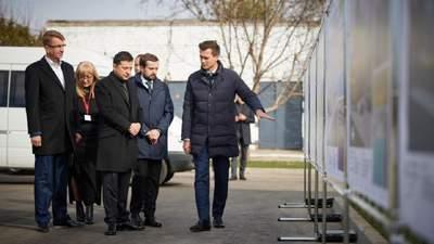Зеленський під час поїздки на Черкащину пообіцяв відреставрувати там 3 замки