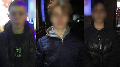 Несколько подростков жестко избили мужчину в центре Днепра: налетели и начали бить