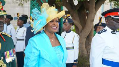 Выход из-под британской короны: Барбадос избрал президента