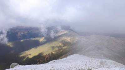 Карпати занесло снігом: на високогір'ях вдарив мороз