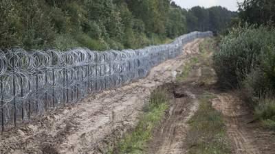 Польща хоче направити гуманітарну допомогу для мігрантів: Мінськ може не прийняти