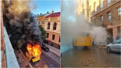 Біля Чернівецької ОДА вщент згоріла маршрутка: відео пожежі