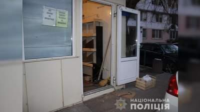 Проломил голову: в Одессе продавец набросился на прохожего с молотком