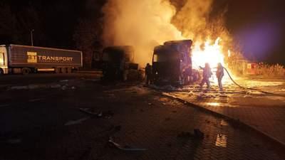 На Харківщині стався масштабний вибух на АЗС: фото та відео пожежі