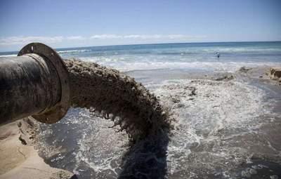 Кто больше всего загрязняет украинскую воду: предприятия и их владельцы