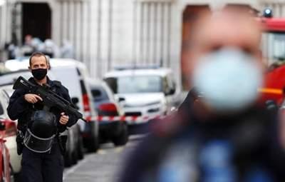 Теракт у Ніцці: біля Парижа затримали вже п'ятого підозрюваного – 17-річного юнака