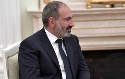 Вірменські протестувальники вимагають відставку Пашиняна до кінця доби