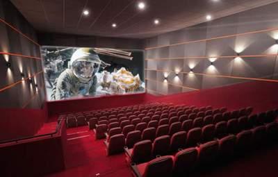 """Идиотизм выходного дня: совладелец """"Планеты Кино"""" раскритиковал новые карантинные ограничения"""