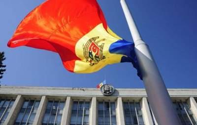 В Молдове стартовал 2 тур выборов президента: как голосовали Санду и Додон