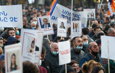 В Армении на протестующих жестоко наехал автомобиль: видео
