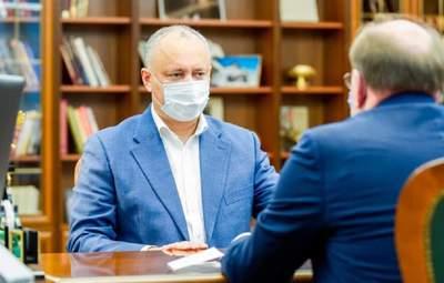 Президент Молдови Додон після поразки на виборах зібрався в Росію