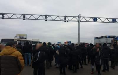"""Работникам """"7 километра"""" из-за протестов грозит до 3 лет лишения свободы"""