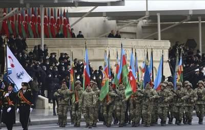 У Баку провели парад перемоги: хто приїхав відзначати тріумф в Карабасі – відео