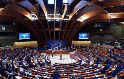 Кризис из-за КСУ: Венецианская комиссия рекомендует Украине изменить законодательство