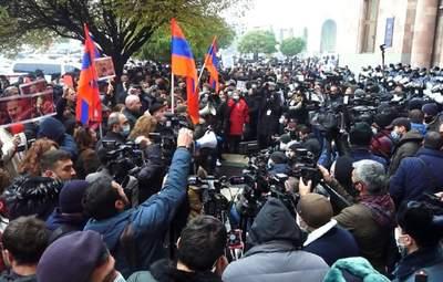 У Єревані – багатотисячний протест: люди вимагають відставки Пашиняна – відео
