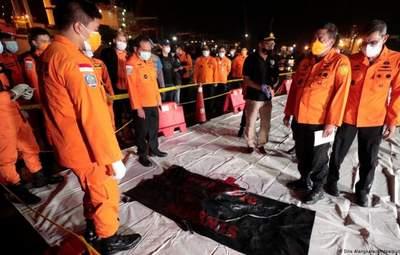 Авиакатастрофа в Индонезии: идентифицировали первого погибшего