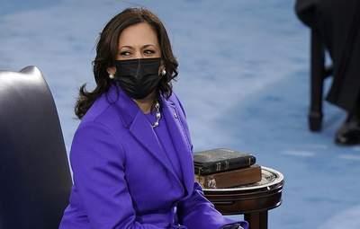 Камала Харрис надела фиолетовый наряд на инаугурацию Джо Байдена: фото