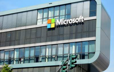 Акции Microsoft установили новый рекорд после финотчета 2020 года