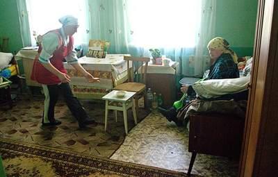 """В Киеве проходят проверки """"пансионатов"""" для пенсионеров, полиция открыла 9 уголовных дел"""