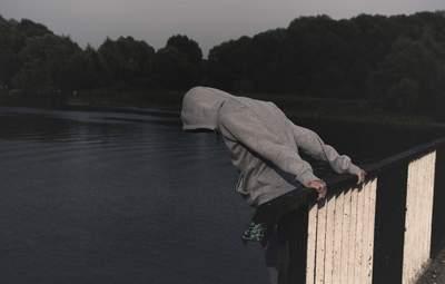 Булінг і смертельні челенджі: психологиня розповіла про причини дитячих самогубств