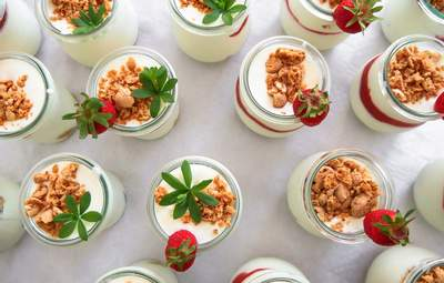 7 вещей, которые происходят с организмом, если вы ежедневно едите йогурт