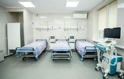 До львівського госпіталю привезли перших хворих на COVID-19 з Прикарпаття